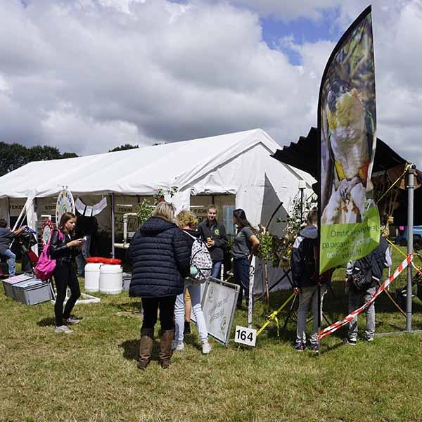 Een mooi overzicht van de complete stand tijdens de Farm & Country fair in Aalten.